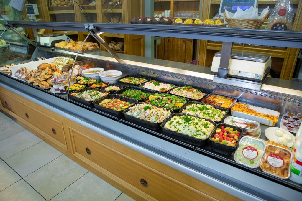salads. deli. lunch. takeaway. salad. salad box. platter
